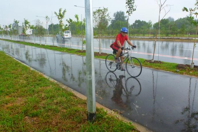 P1130239 rain no worry
